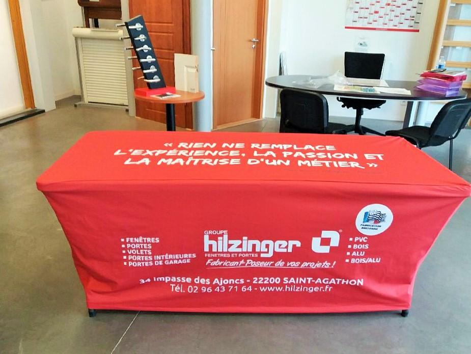 Table et housse imprimée de Hilzinger